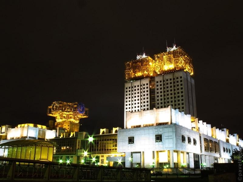 Академия Наук. Ночная Москва в сентябре.